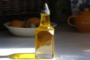 bains de bouche à l'huile bienfaits merveilleusement imparfaite