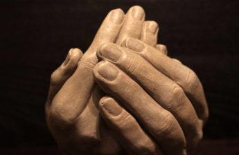 recevoir mains merveilleusement imparfaite