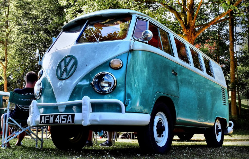 Un mini-van pour montrer que le ho'oponopono rassemble les parties de nous
